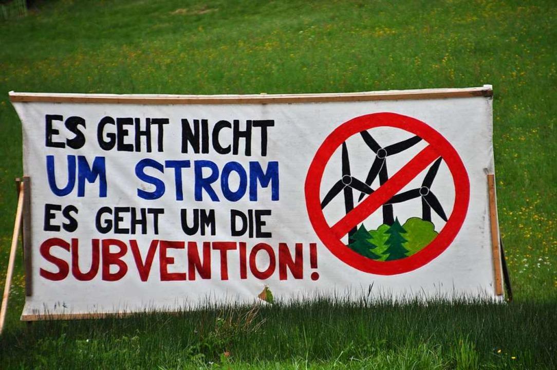 Nein zur Windkraft: In Bürchau haben s...agung gegen den Windpark positioniert.  | Foto: Nicolai Kapitz