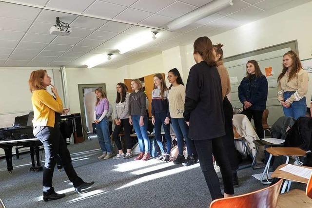 Müllheimer Schüler proben mit dem Balthasar-Neumann-Chor für ein Konzert
