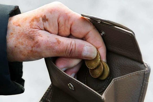 Dieb greift in Bad Säckingen einem Senior in den Geldbeutel