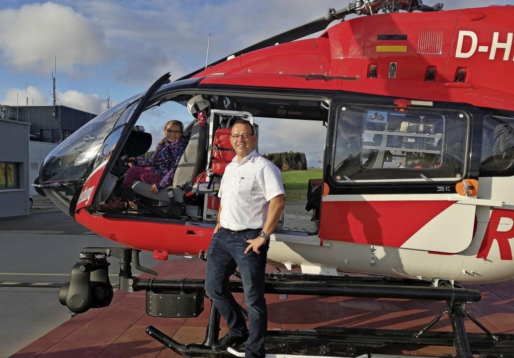 Hannah Stefan durfte bei ihrem Besuch ...Hubschrauber Christoph 11 besichtigen.  | Foto: Sandra Stefan