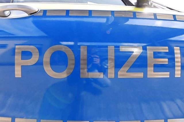 Unbekannte zerkratzen Auto in Weil am Rhein