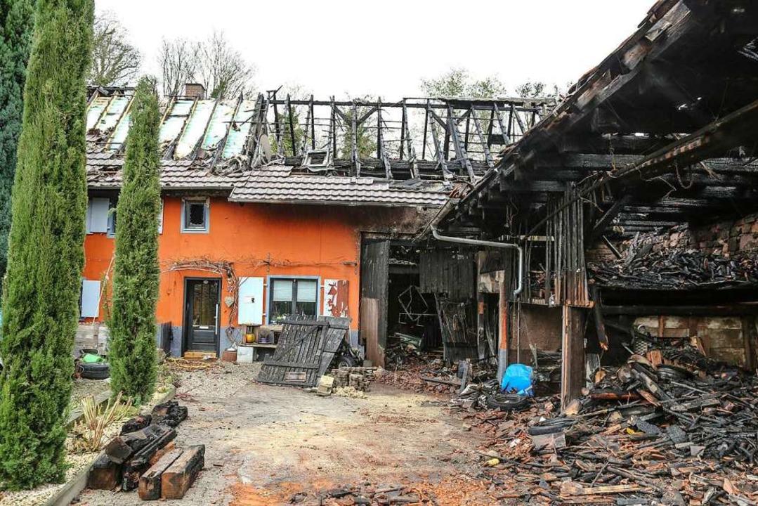 Am Tag danach wird das Ausmaß des Brandes deutlich.  | Foto: Sandra Decoux-Kone