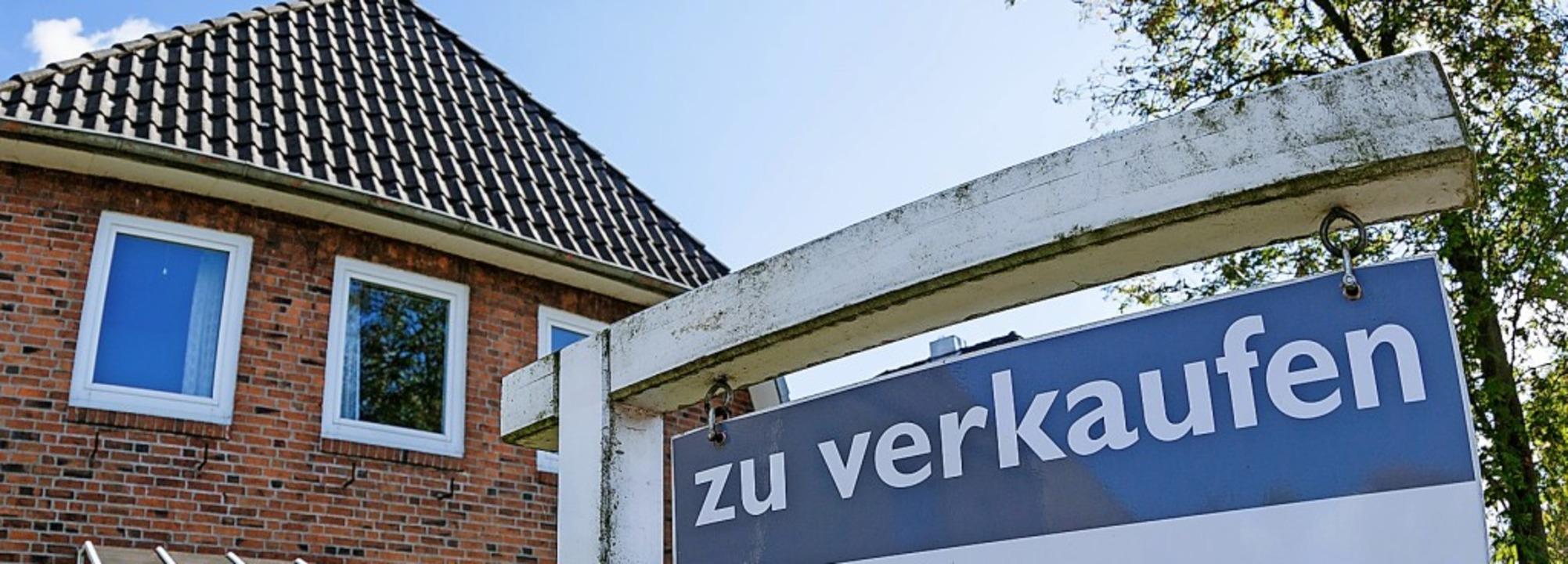 Wer sein Haus zum Verkauf stellt, soll...ssen, wie viel die Immobilie wert ist.  | Foto: Markus Scholz