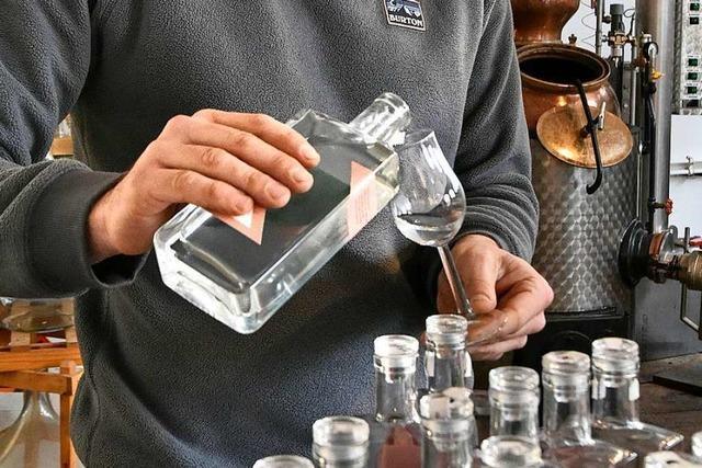 Der Freiburger Brenner Holger Frey experimentiert gerne – auch mit Zwiebeln