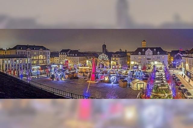 Weihnachtsdorf mit Musik und Kino