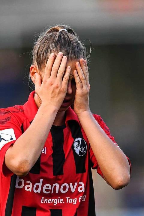 Oft enttäuscht – die SC-Spielerinnen, hier Klara Bühl  | Foto: Patrick Seeger