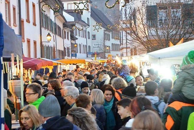 Am Kalten Markt läuft Schopfheim heiß