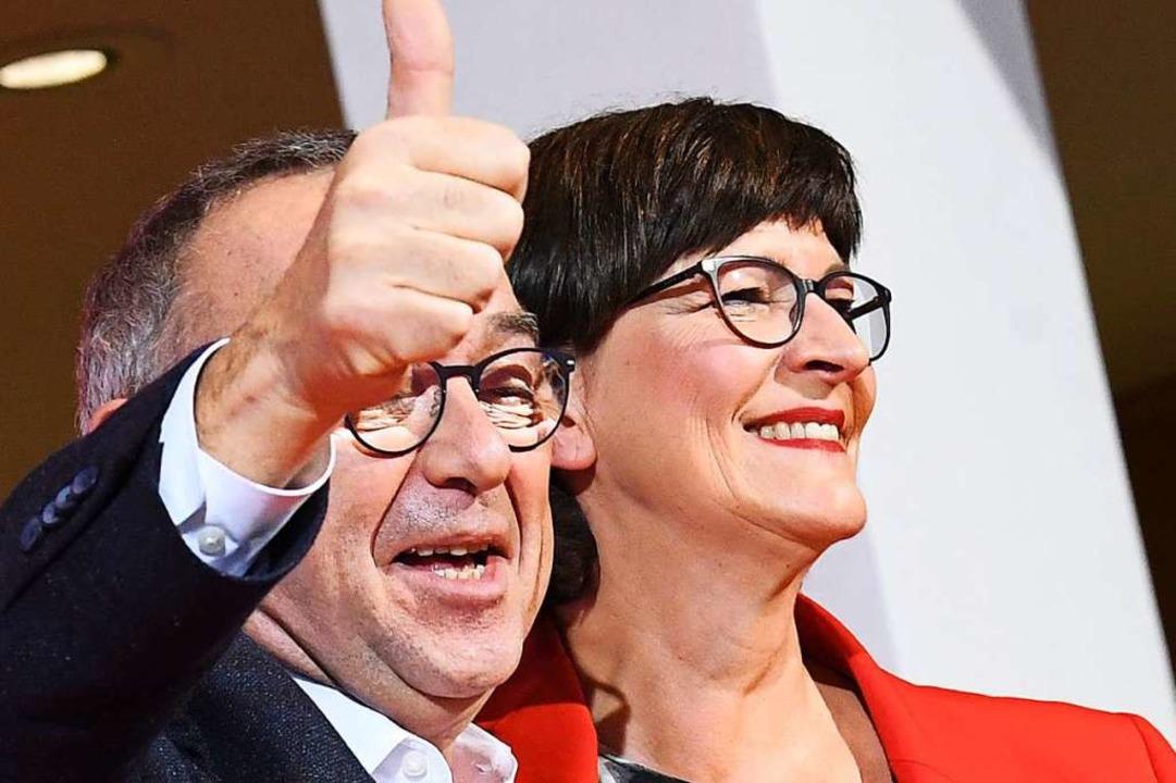 Neues Spitzenteam: Norbert Walter-Borj... zum SPD-Vorsitz im Willy-Brandt-Haus.    Foto: Jörg Carstensen (dpa)