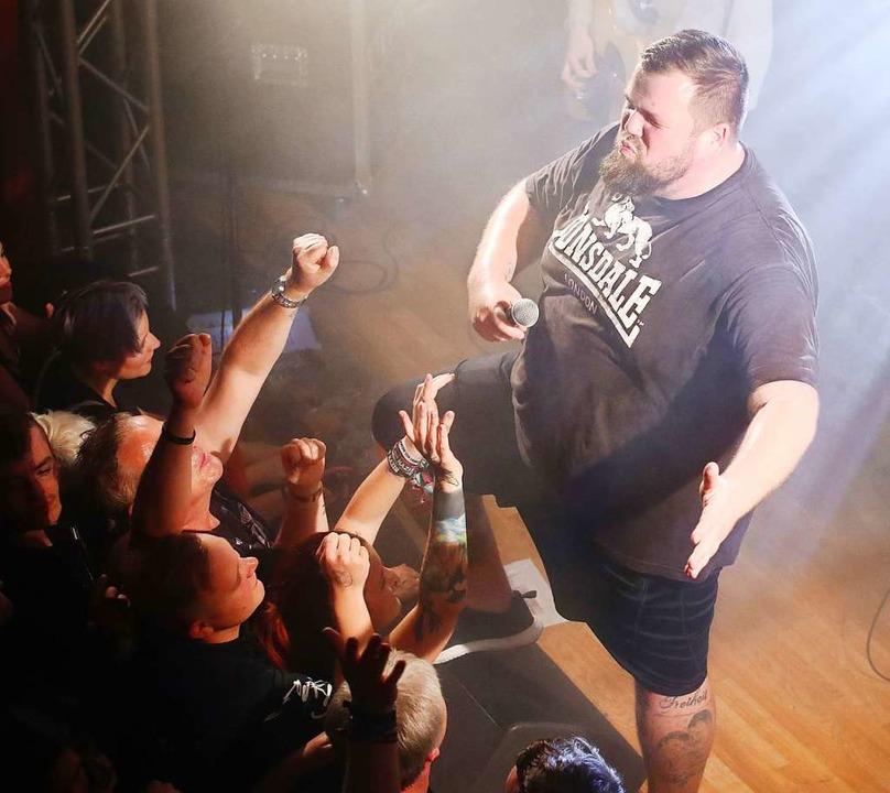 Hatte nie Gesangsunterricht – un...als Punker gesehen: FSF-Sänger Monchi.  | Foto: Bodo Schackow (dpa)