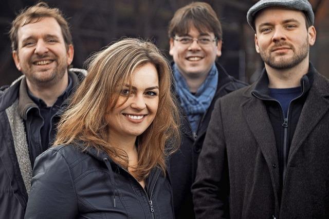Songwriterin Fee Badenius gastiert mit Band in der Stadthalle in Bonndorf