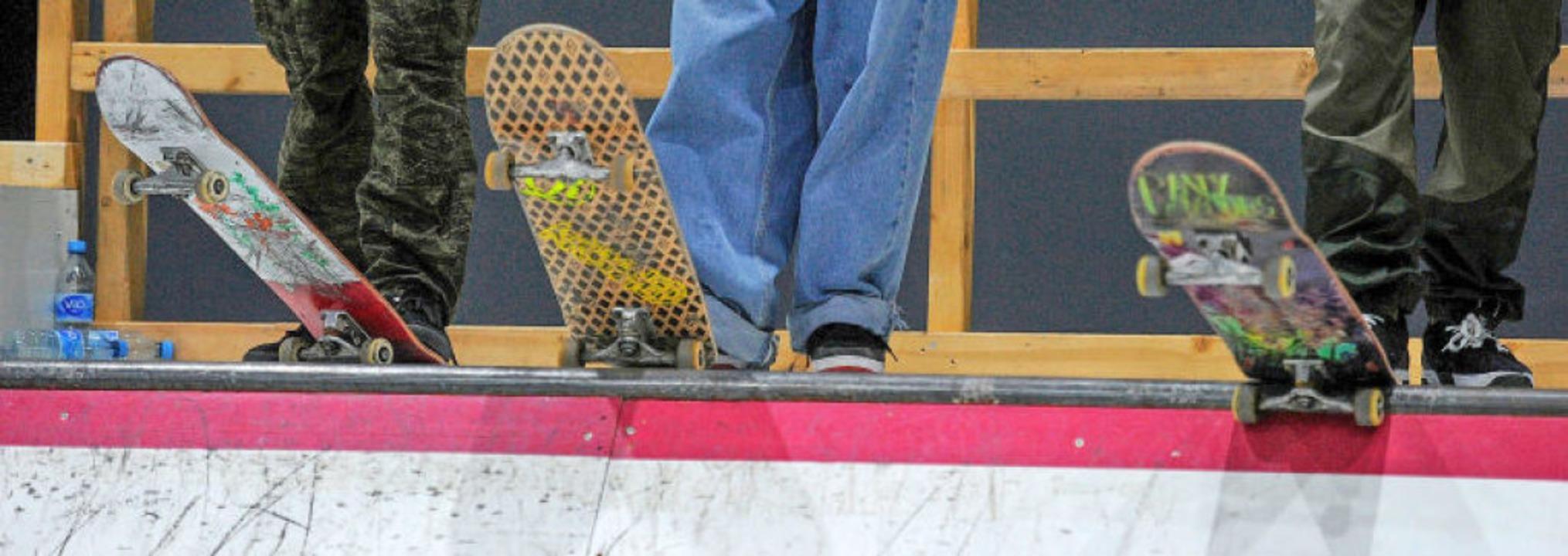 Beklebte Bretter, lässige Hosen &#8211... Skaten zählen Spaß und Zusammenhalt.   | Foto: Pressebüro Schaller