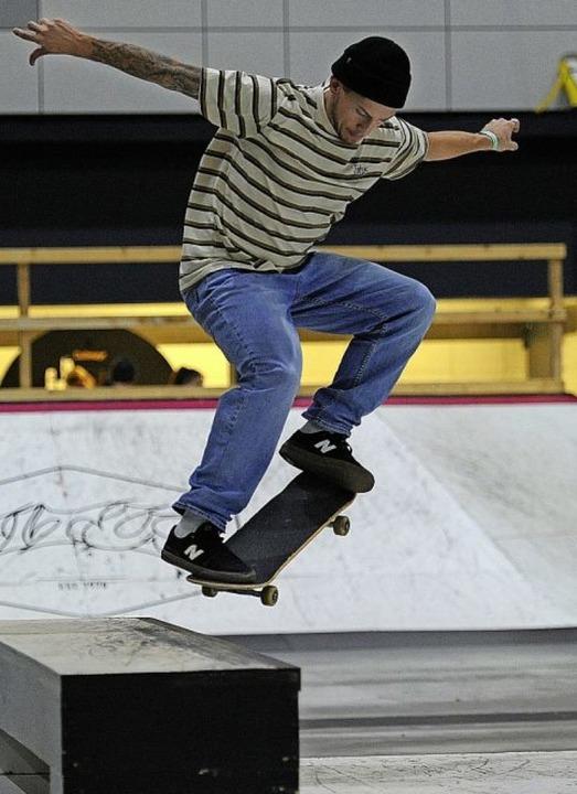 Kunstvolle Sprünge zeigten die Skater am Wochenende im Europapark.  | Foto: Pressebüro Schaller
