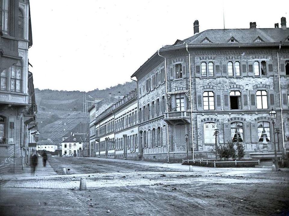 Den Blick vom Fahnenbergplatz (rechts ... bestandene Schlossberg zu erkennen.    | Foto: Gottlieb Theodor Hase, Stadtarchiv Freiburg M75/13/926