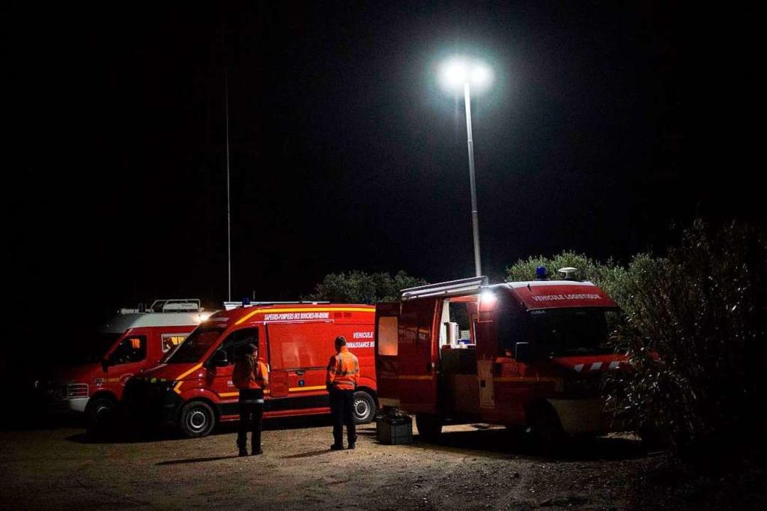 Retter am Unglücksort  | Foto: CLEMENT MAHOUDEAU (AFP)