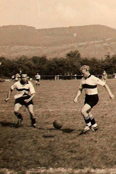 Im Jahr 1953 weihten die Herren den eigenen Platz ein.  | Foto: FC Wolfenweiler