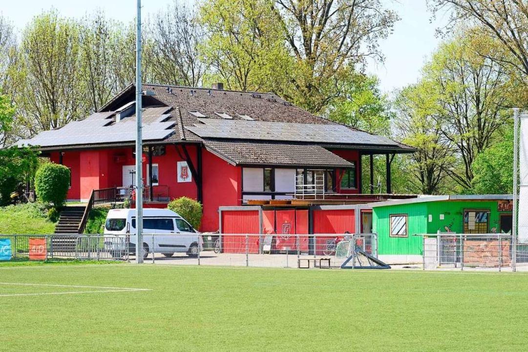 Das FFC-Vereinsheim im Dietenbach-Spor...werden und zudem eine  Kita  bekommen.  | Foto: Ingo Schneider