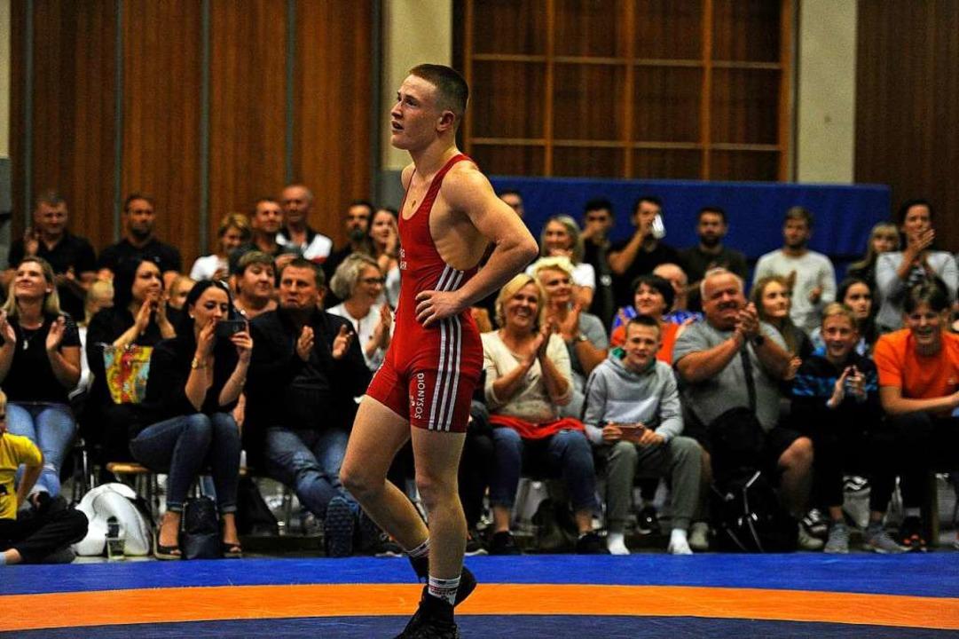 Der Lahrer Eugen Schell – hier e...inem 10:1-Punktsieg für gute Stimmung.  | Foto: Pressebüro Schaller