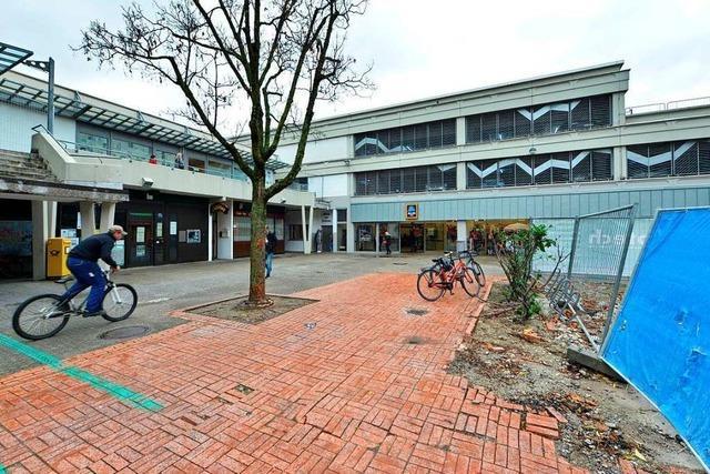 Über den Parkdecks des EKZ Weingarten sollen Wohnungen gebaut werden