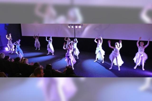 Europameisterinnen tanzen im Kino