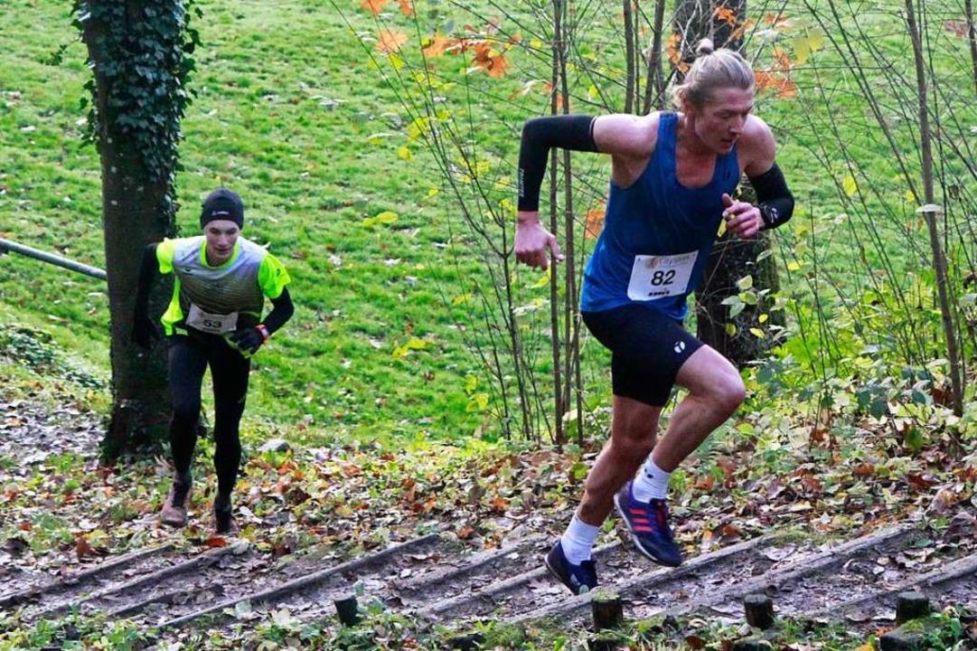 Bei diesem Anstieg liegt der spätere Z...gen noch vor dem Sieger Niklas Martin.  | Foto: Winfried Stinn