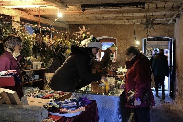 Besucherandrang beim ersten Adventsmarkt an der Tantenmühle
