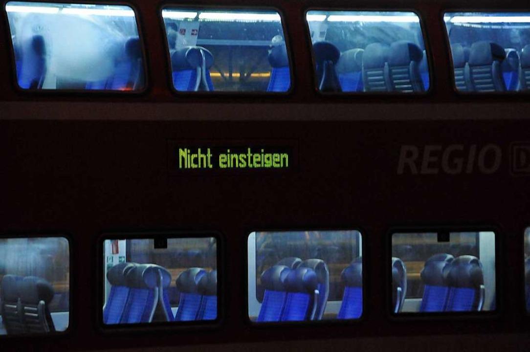 Bei Streckensperrungen aufgrund von hö...alt gehen Bahnkunden künftig leer aus.  | Foto: Helmut Seller