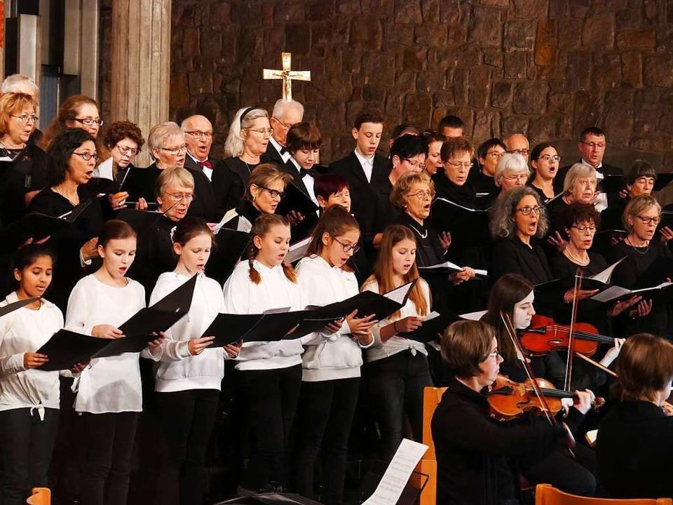 Auftritt in der Heilig-Kreuz-Kirche  | Foto: Michael Gottstein