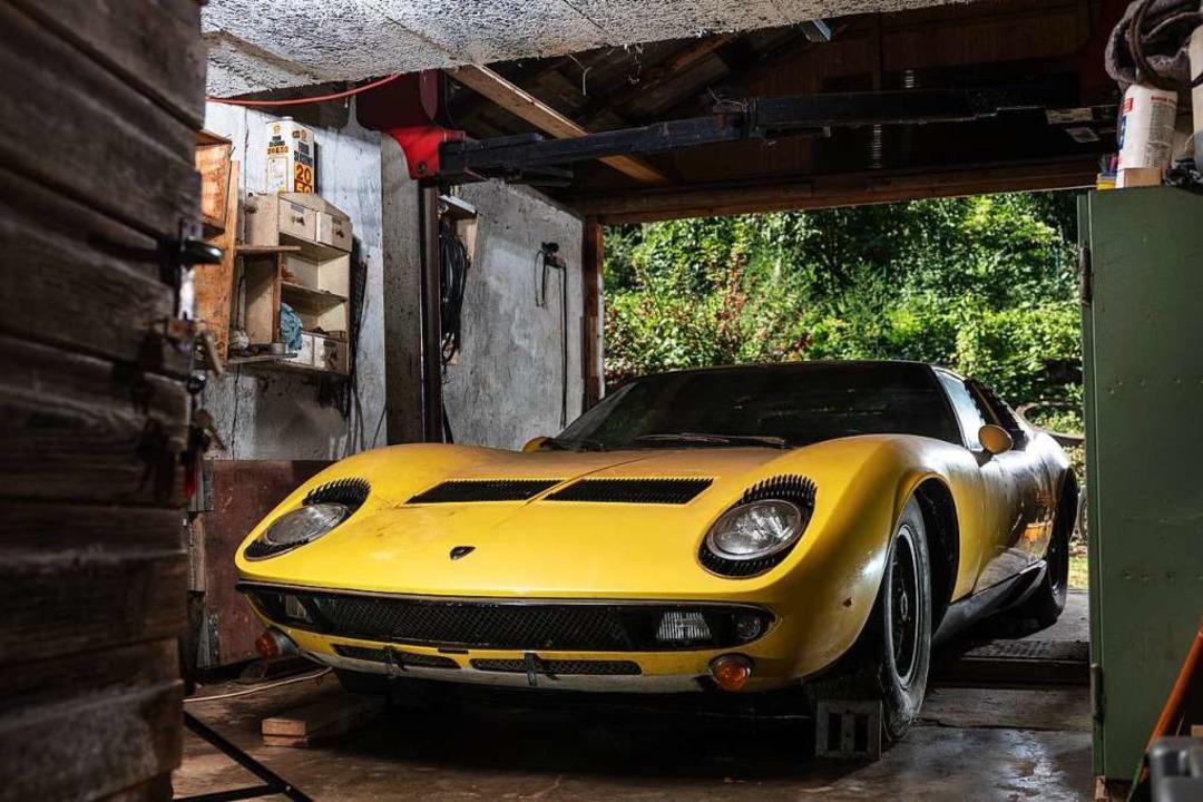 Rustikale Garage statt exklusiver Showroom: der Miura an seinem  Standort  | Foto: Peter Singhof