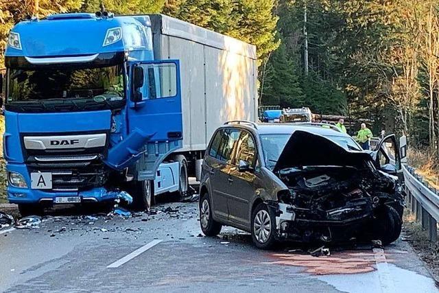 Die L87 bei Seebach ist nach einem schweren Unfall gesperrt