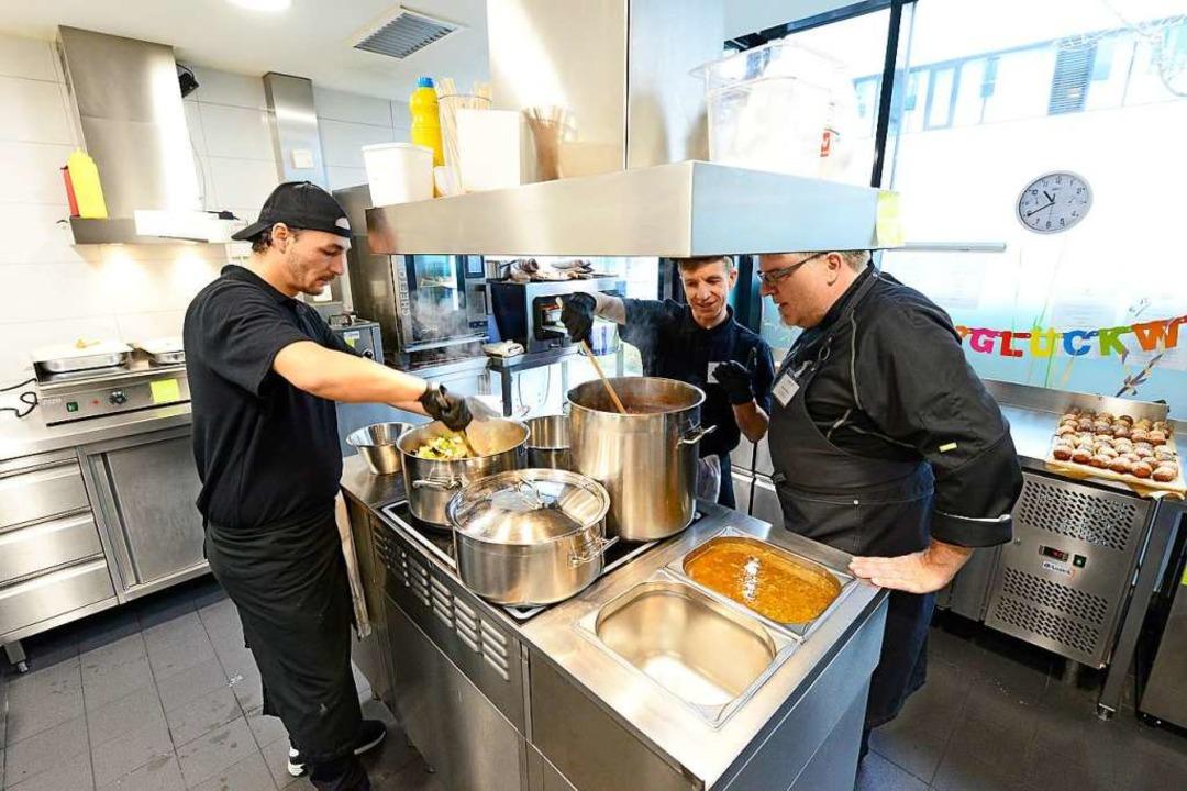 Kochen derzeit gemeinsam in der &#8222...henko und Küchenchef Christian Wegner.  | Foto: Ingo Schneider