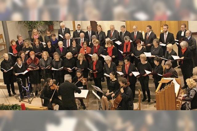 Die Gemeinde singt mit dem Chor