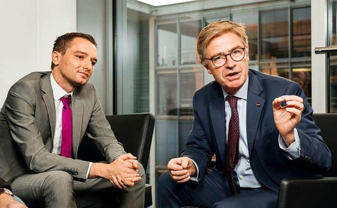 Benjamin Strasser (FDP) im Streitgespräch mit Matern von Marschall (CDU)  | Foto: Christian Schroth