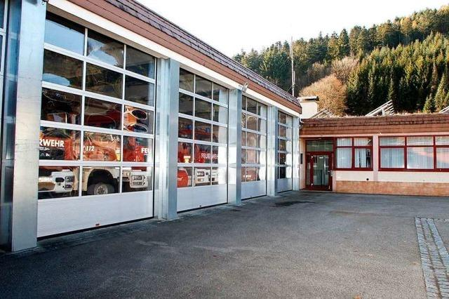 Ob das Feuerwehrgerätehaus saniert oder neu gebaut wird, soll eine Studie zeigen