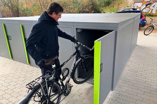 Weitere Fahrradboxen beim Schienenhaltepunkt Kreisschulzentrum