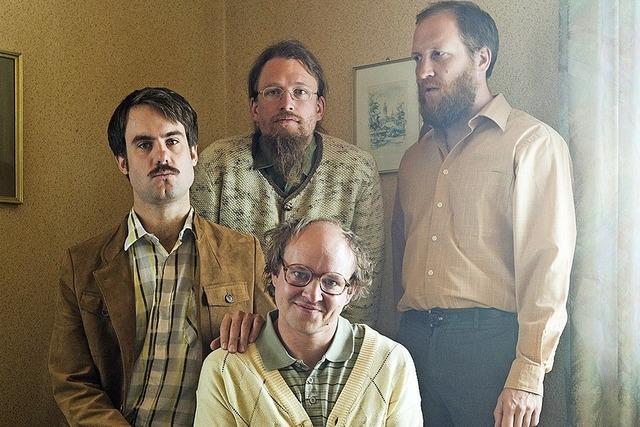 Quartett Gankino Circus gibt Vorstellung im Café Verkehrt in Murg-Oberhof