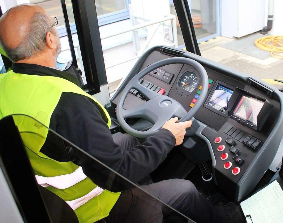 Wie das E-Auto ist der E-Bus fast gena...gspedal entfällt, da nicht mehr nötig.  | Foto: Rolf Reißmann