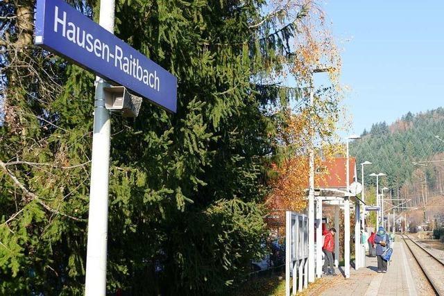 Reisende bekommen am Bahnhof Hausen-Raitbach keine Informationen