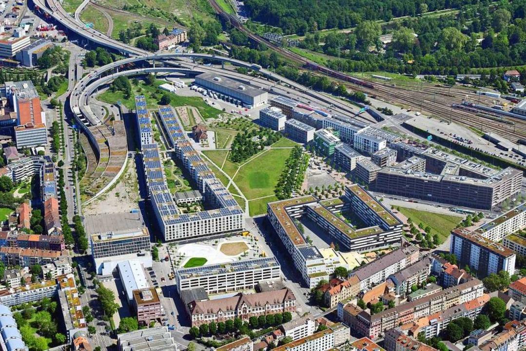 Auf dem Gelände des ehemaligen DB-Güte...ist ein neues Wohnquartier entstanden.  | Foto: Erich Meyer