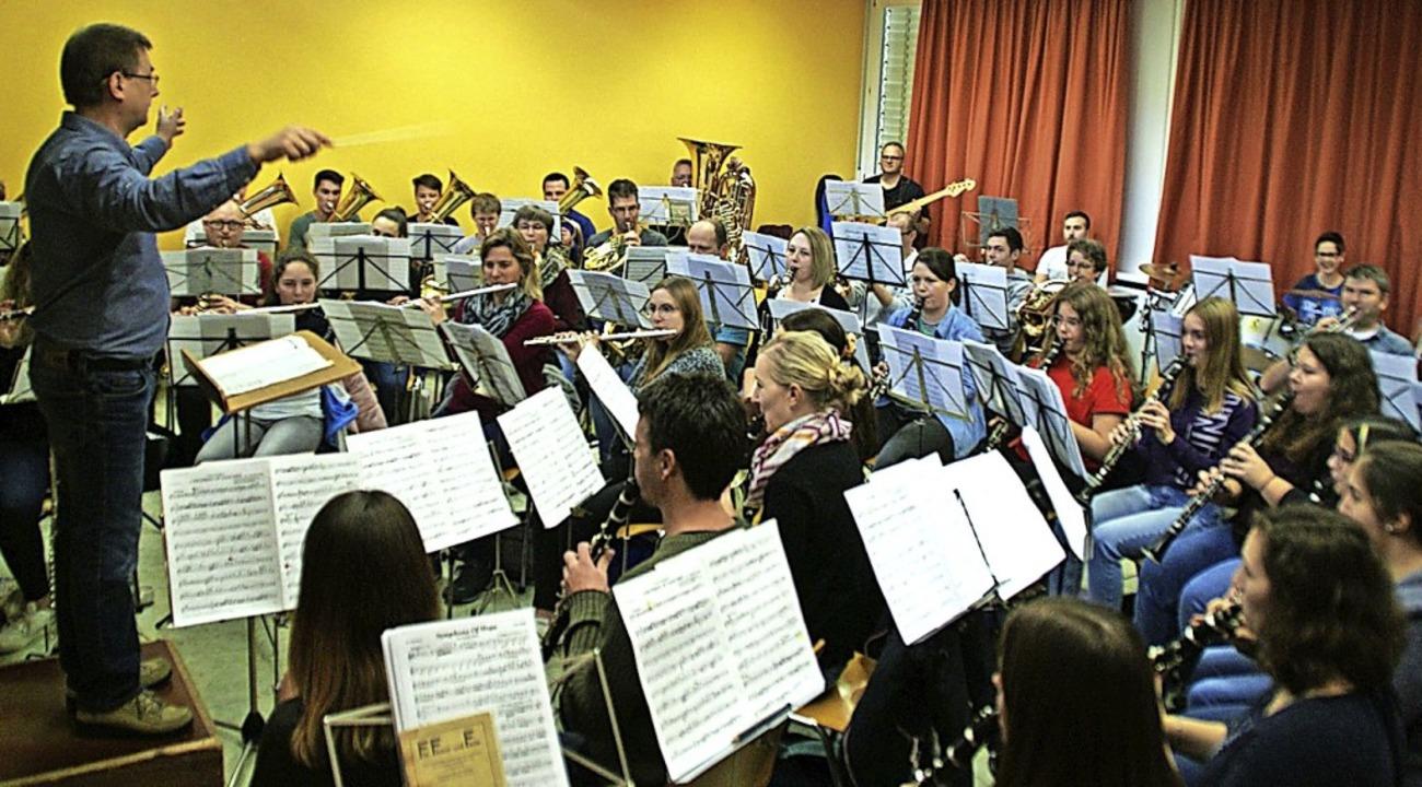 Der Musikverein Eberfingen lädt am mor...ter in die Ehrenbachhalle Weizen ein.   | Foto: suedkurier