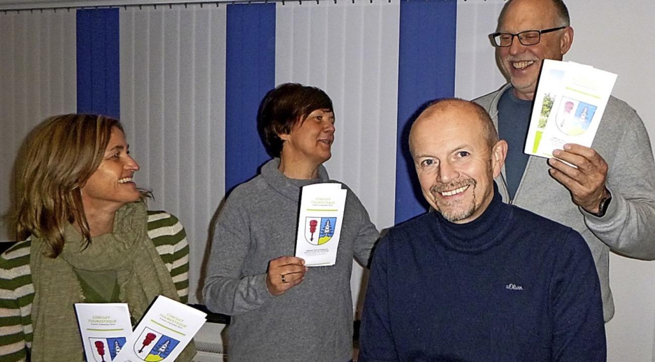 Stolz ist Bürgermeister Dietmar Zäpern... Funk haben das Angebot ausgearbeitet.  | Foto: Gemeinde Rickenbach
