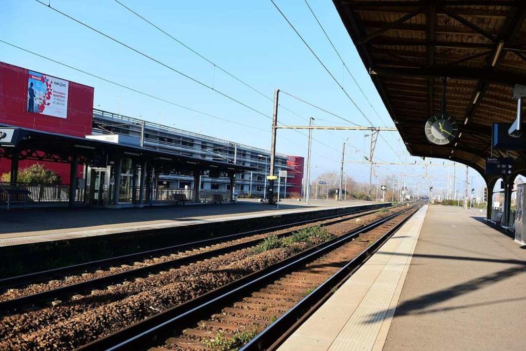 Gähnende Leere herrschte an den Bahnhöfen.  | Foto: Guy Greder