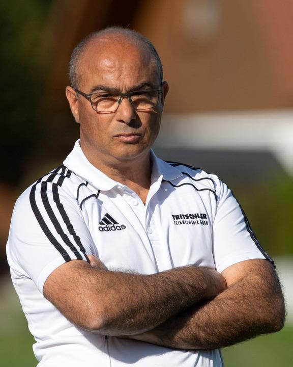 Der Freund seiner Spieler: Eisenbachs Trainer Giovanni Castiglione  | Foto: Wolfgang Scheu