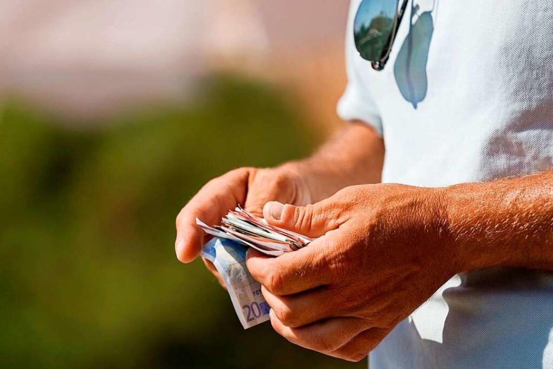 Nicht alle Pflegebedürftigen können si... Sonderfall und kann abgesetzt werden.  | Foto: Getty Images, Adél Békefi (dpa)