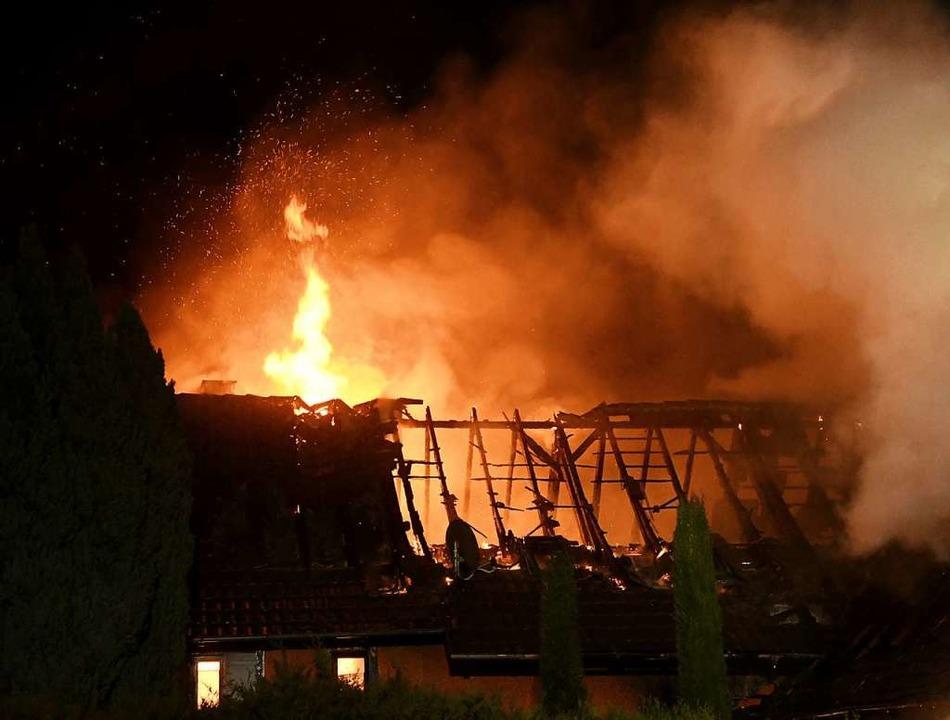 Die Nacht, als das Bauernhaus ein Raub der Flammen wurde.  | Foto: Wolfgang Künstle