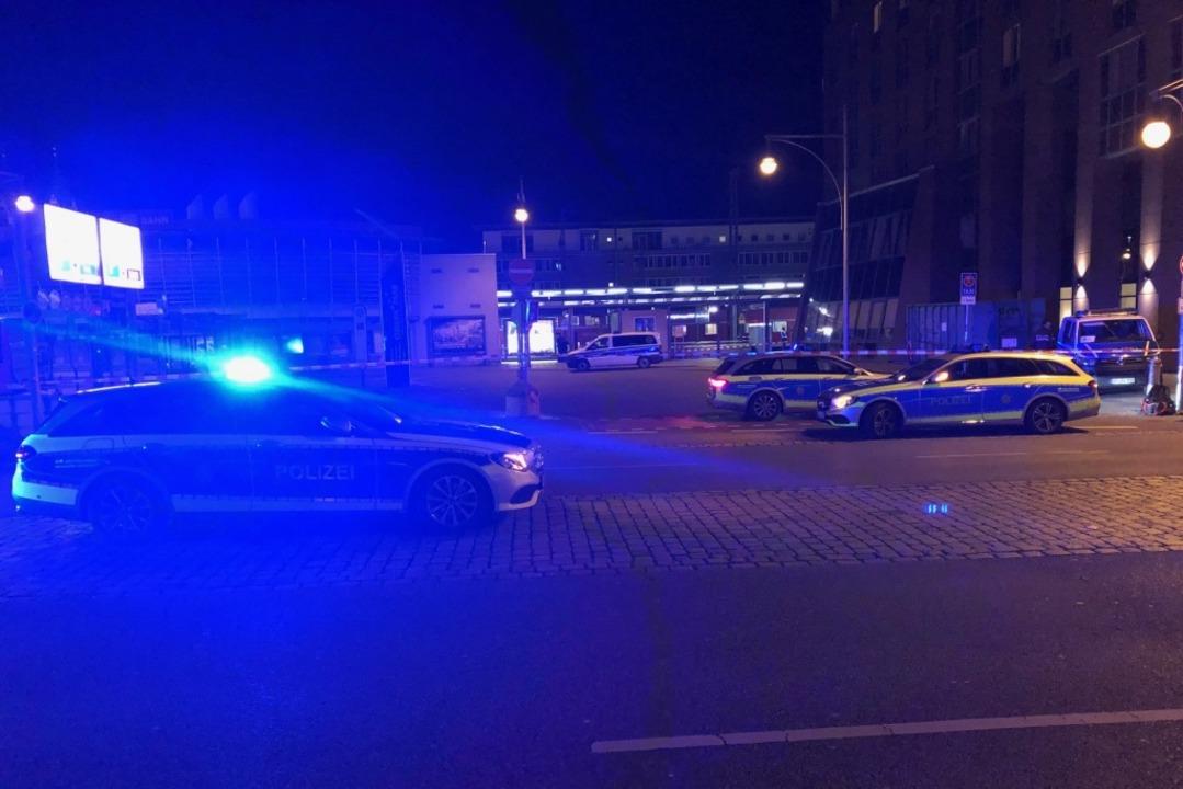 Am Freiburger Hauptbahnhof war am Donn...nd ein großer Polizeieinsatz im Gange.  | Foto: Joachim Röderer