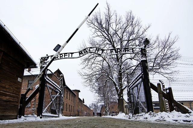 Angela Merkel besucht erstmals Auschwitz
