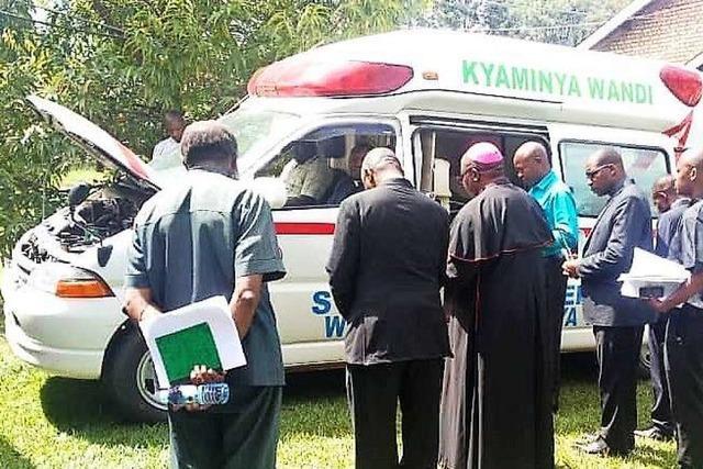 Bad Säckinger spenden 20.000 Euro für einen Krankenwagen für Uganda