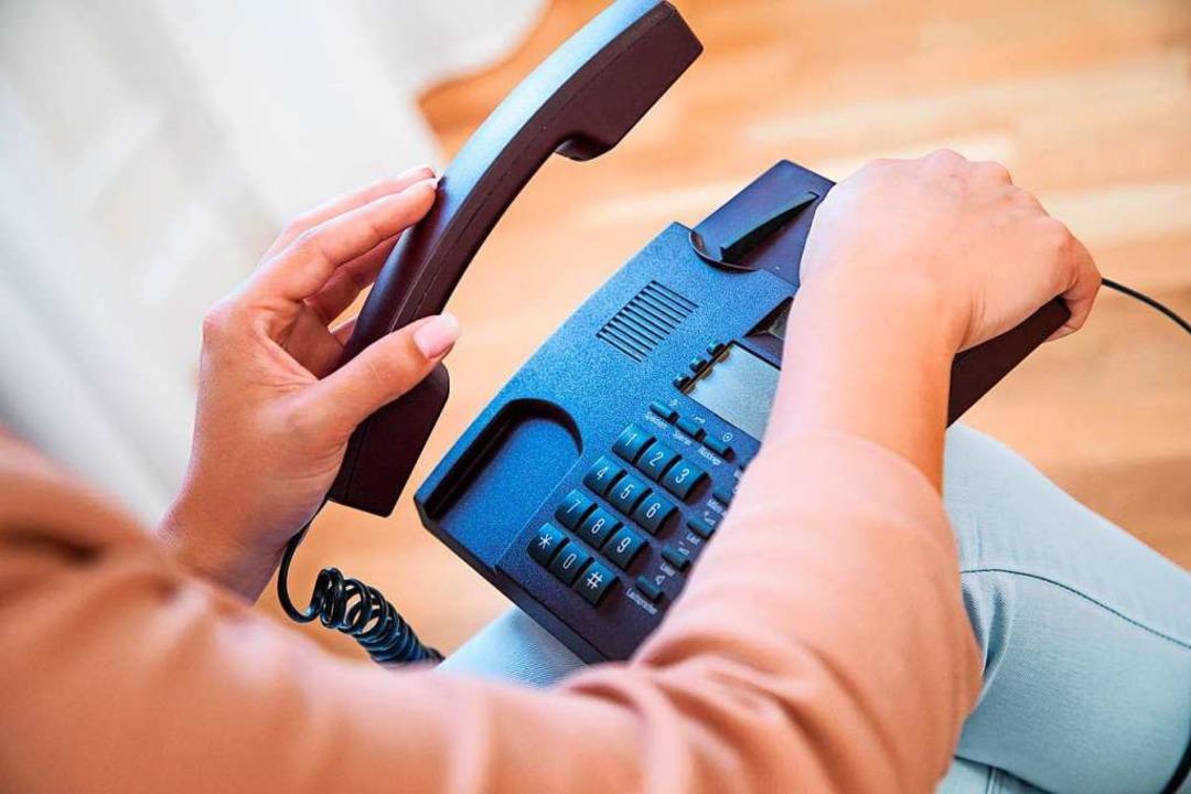 Bei Anrufern ist Vorsicht geboten, man...ür jemanden aus, der er gar nicht ist.  | Foto: Christin Klose