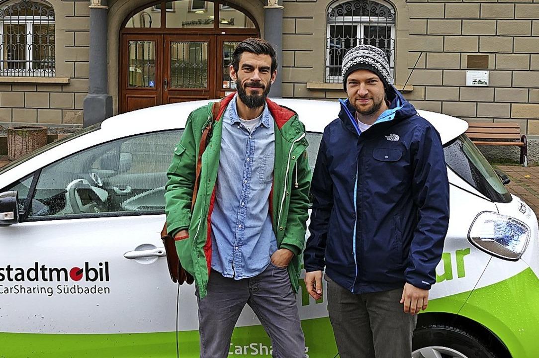 Setzen auf Carsharing: Jan Thießen und Nils Dörschlag von der Vita  | Foto: Tanja Bury