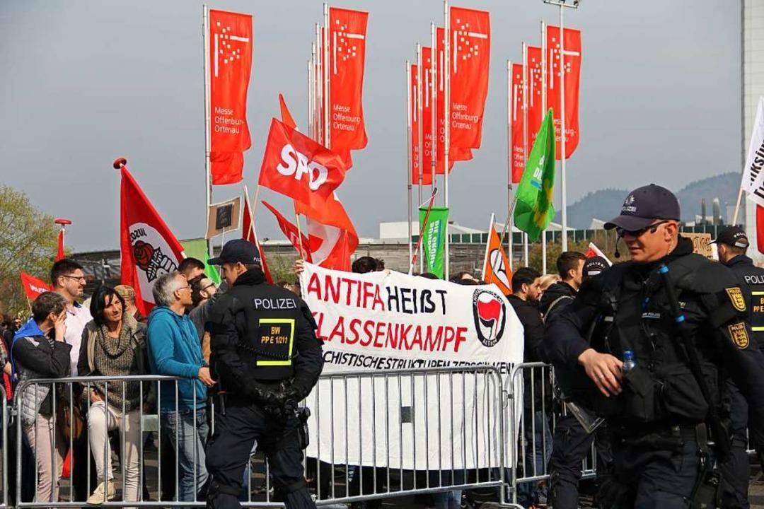<ppp> als sie 2019 im Europawahlkampf ...berrheinhalle neutral beflaggt. </ppp>    Foto: Judith Reinbold